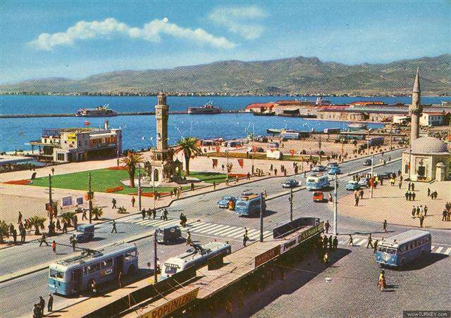 Izmir's seafront ca. 60s or 70s (it's still that beautiful!)